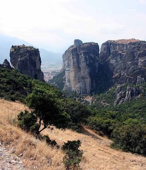 """Pierwszy widok """"nażywo"""" powysiadce zautokaru, Greckie Meteory"""