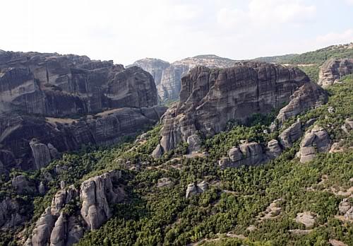 Widok zMonastyru Św. Trójcy, Meteory, Grecja