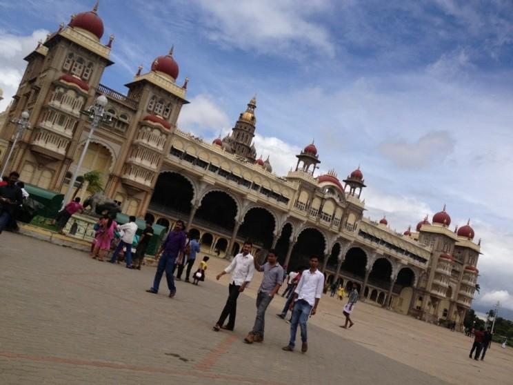 Ciekawe miejsca wIndiach południowych: Mysore Palace, Karnataka