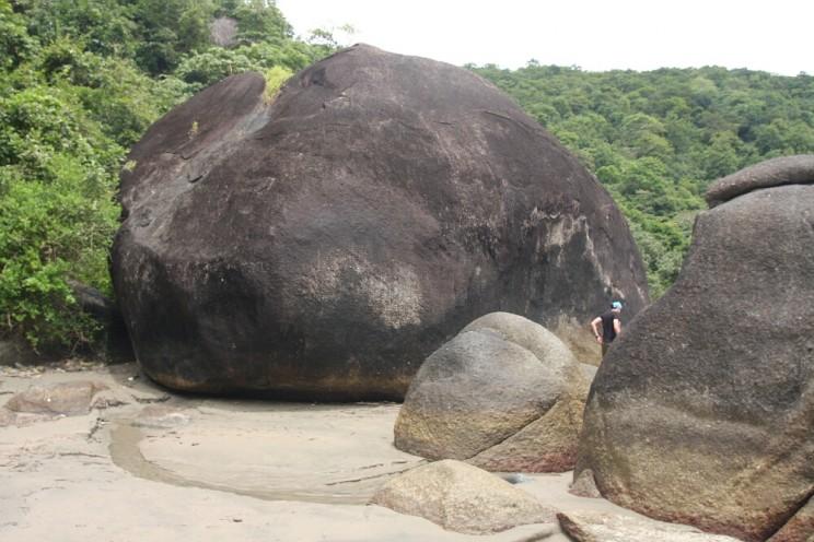 Kamień nawyspie przy Palolem, Goa, Indie