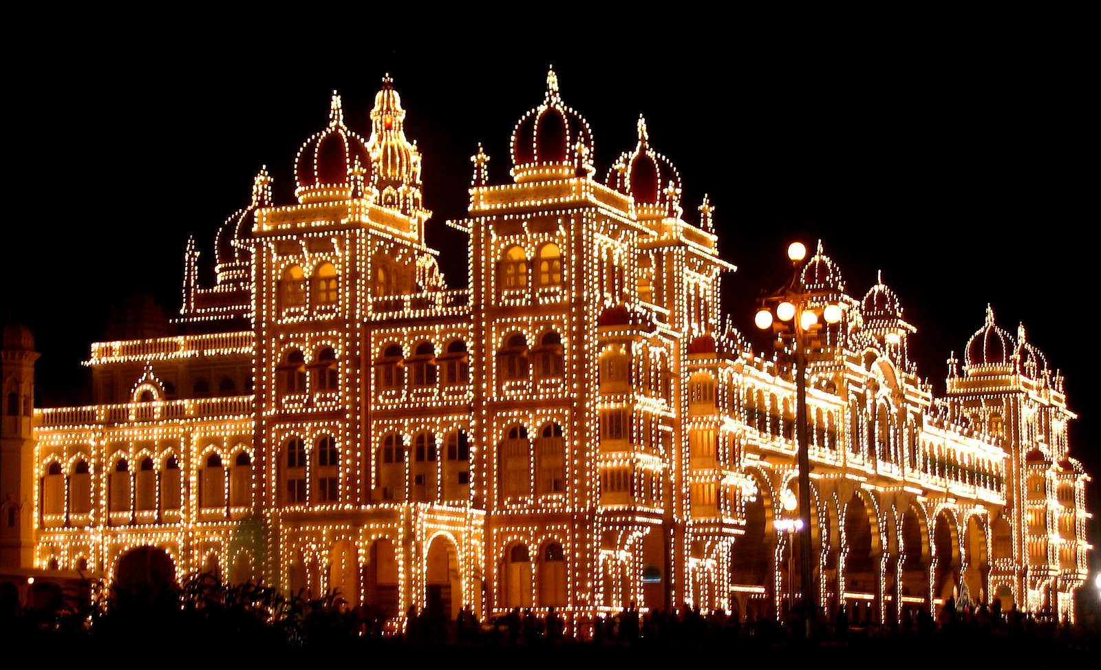 Mysore_Palace_lights