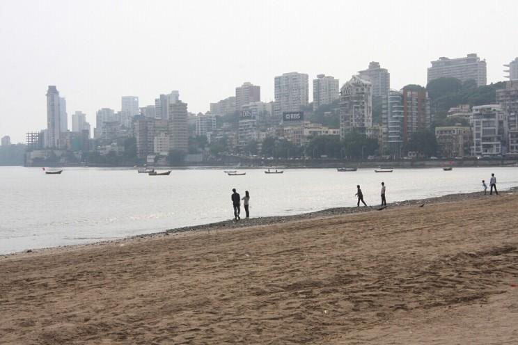 Ciekawe miejsca wIndiach południowych: Girguam Chowpatty Beach, Mumbai, Maharashtra