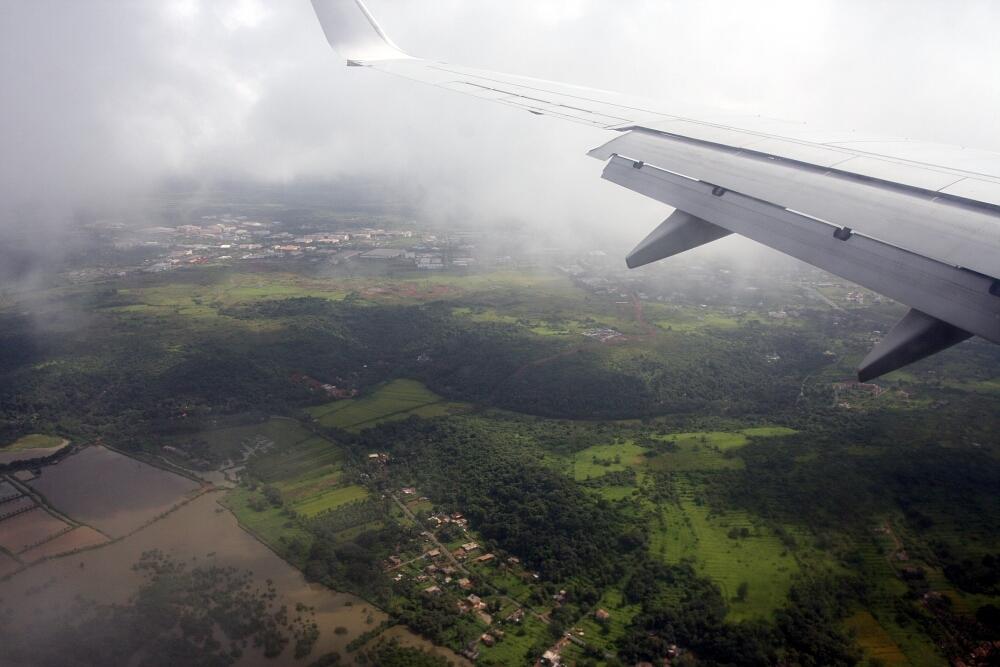 Lądujemy nalotnisku Dabolim, Goa, Indie