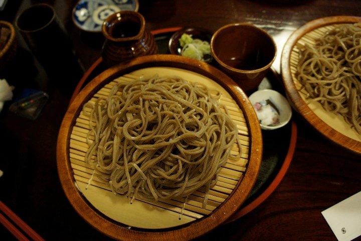 Ręcznie robiona (teuchi) kuri soba wNagano, Japonia