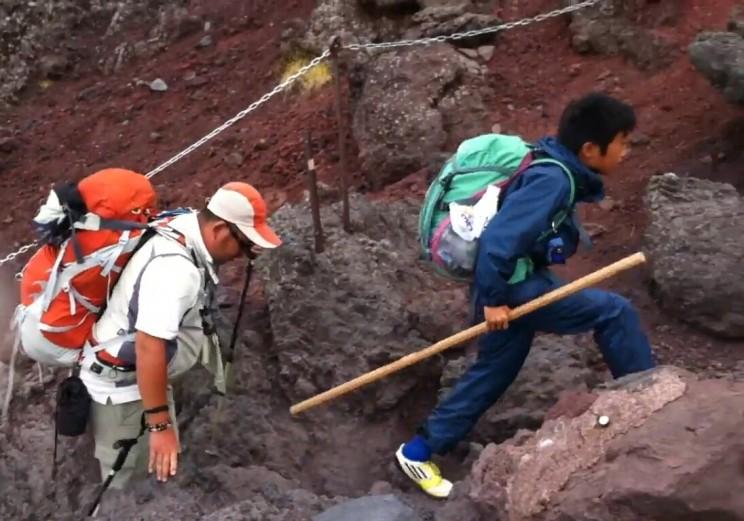 wspinaczka nagórę Fuji - kije