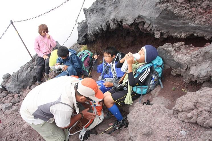 wspinaczka nagórę Fuji - butle tlenowe ichoroba wysokościowa