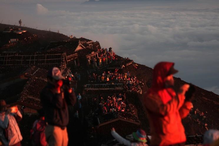 Góra Fuji - wspinaczka nagórę Fuji, wschod słońca nagórze Fuji