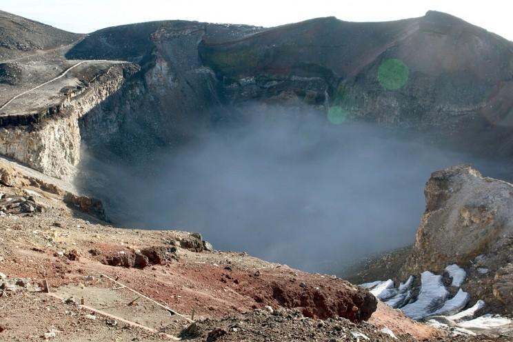Wspinaczka nagórę Fuji - wnętrze krateru