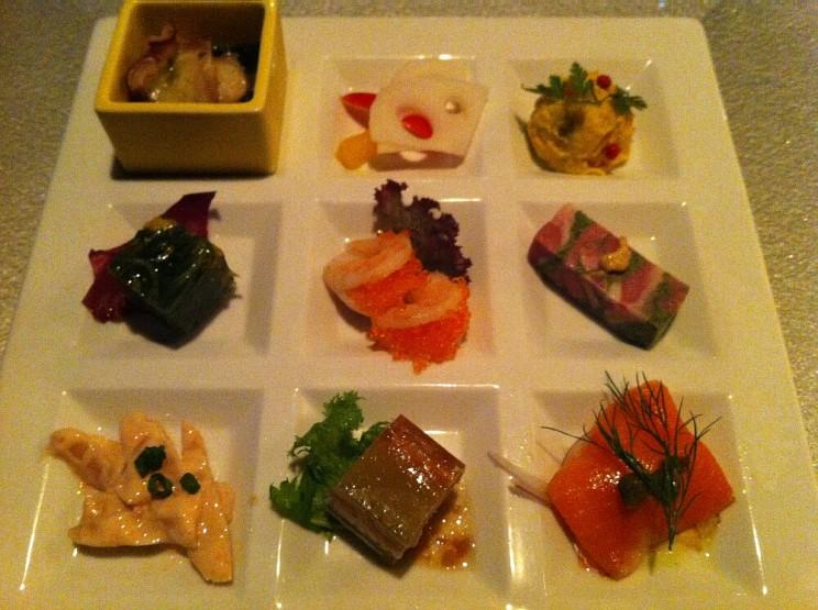 Japoński tradycyjny posiłek wstylu kaiseki: Kaiseki set in KKR Hotel Tokyo