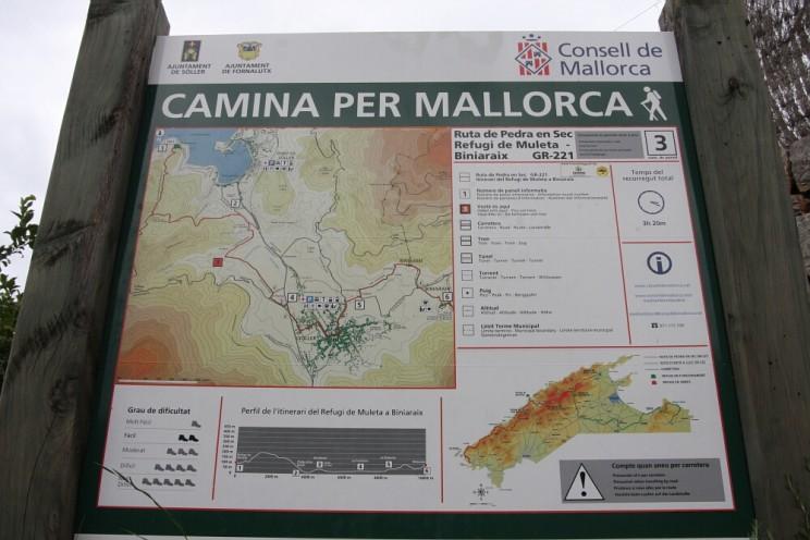 Camina per Mallorca; mapa ztrasami trekkingowymi podolinie Vall de Sóller (Majorka)
