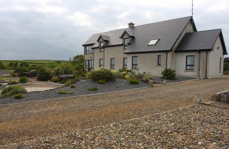 Piękny dom nairlandzkim klifie, hrabstwo Wexford, Irlandia