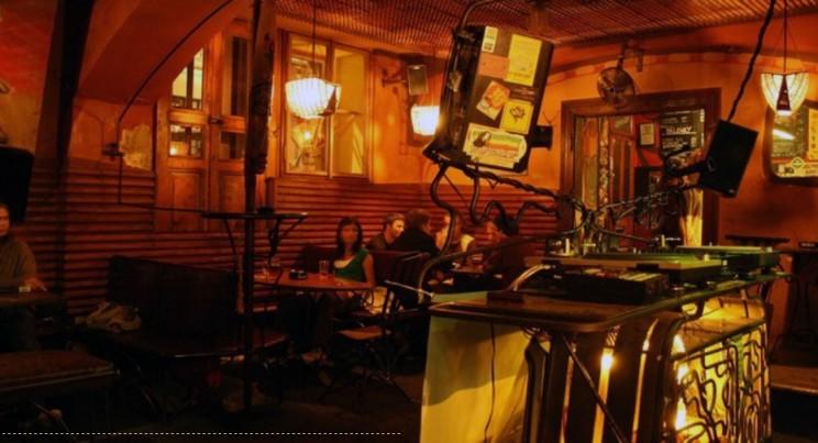 Najlepsze puby irestauracje wPadze: Wakata