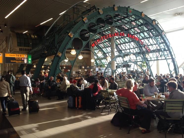 Schiphol: Lotniskowy pub wAmsterdamie