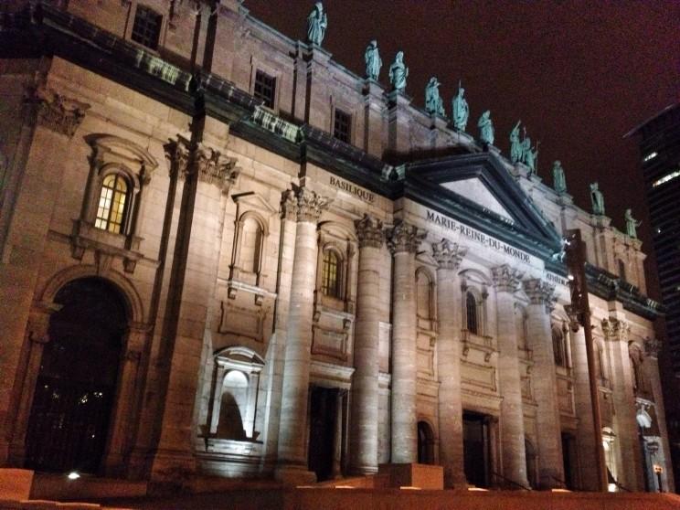 Basilique-cathédrale Marie-Reine-du-Monde de Montréal, czyli Bazylika katedralna Matki Bożej Królowej Świata wMontrealu, Kanada