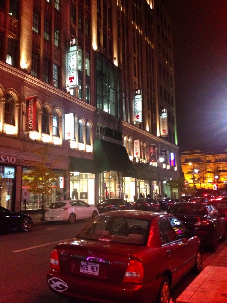 """Centrum Montrealu wieczorem - wcale niewidać, żeto""""francuska Kanada""""!"""