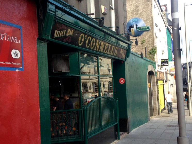 O'Connell's Pub, Eyre Square, Galway, Irlandia