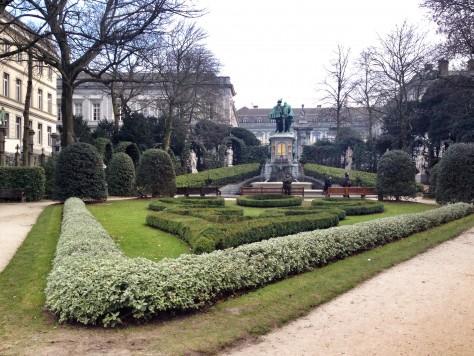 Bruksela: spacer postarym mieście Place du Petit Sablon