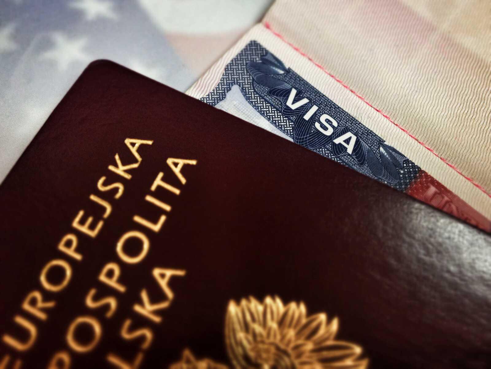 Podróż doUSA: stara wiza, nowy paszport