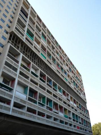 Unité d'habitation wMarsylia - Le Corbusier (Airbnb - co tojest, jak działa idlaczego warto korzystać)