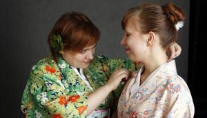 Pasjonaci kultury japońskiej: Olga Mazurkiewicz wOgrodzie Radości (kimono ikitsuke)