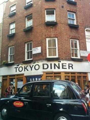 Londyńskie China Town, awnim japońska restauracja Tokyo Diner