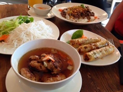 kuchnia-wietnamska-bun-cha-nem-bun-bo-nam-bo