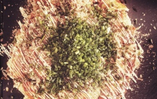 okonomiyaki-cooking