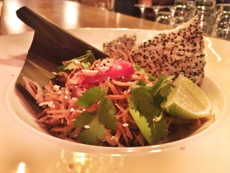 Kuchnia wietnamska - potrawy, którychtrzeba spróbować: Nom hao chuoi / Nộm hoa chuối - sałatka zkwiatów bananowca (Fokim x Pyza made in Poland x Viet Street Food)