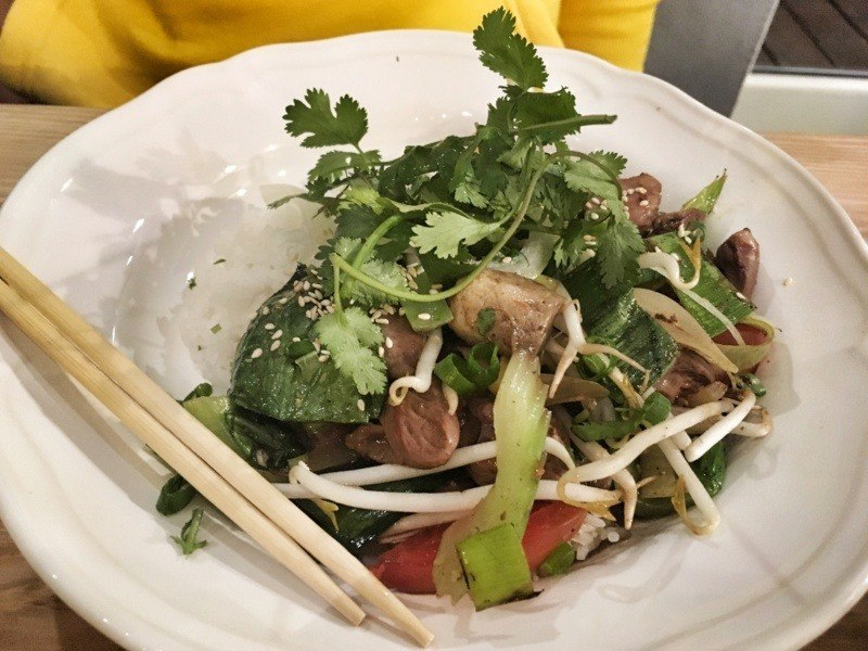 Viet Food Street Bistro: nộm hoa chuối zsercami