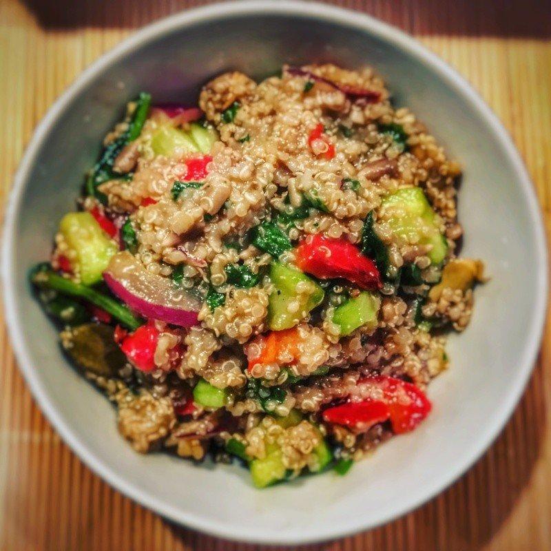 Co To Jest Quinoa I Jak Ja Przyrzadzic Przepis Na Salatke Z Komosa