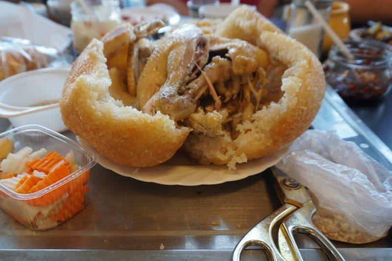 Kuchnia wietnamska - potrawy: Ga bo xoi / Gà bó xôi – kurczak pieczony wryżu