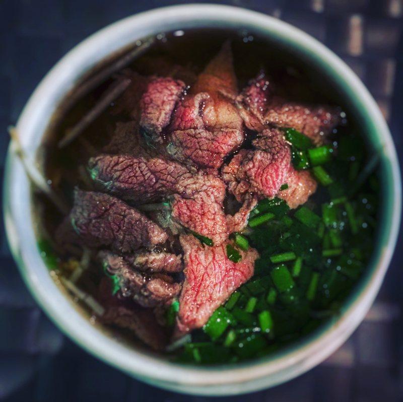 Kuchnia wietnamska - potrawy, którychtrzeba spróbować: zupa pho bo / zupa phở bò