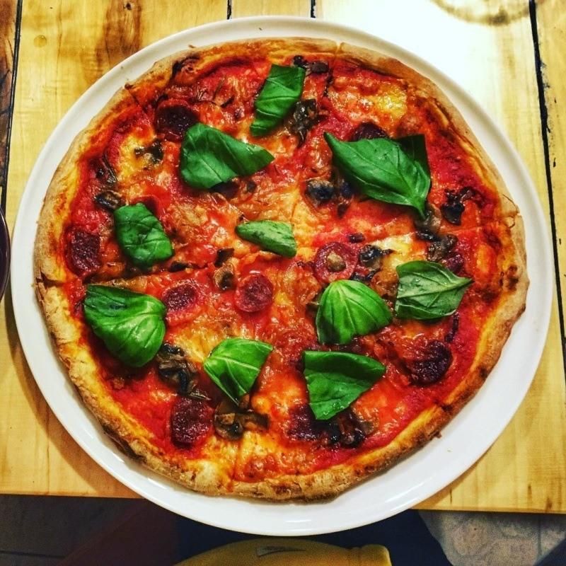 Australijska pizza w Cucciolina