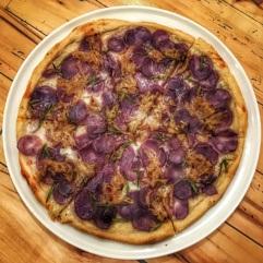 Cucciolina x BTTH: fioletowa pizza zesłodkimi ziemniakami