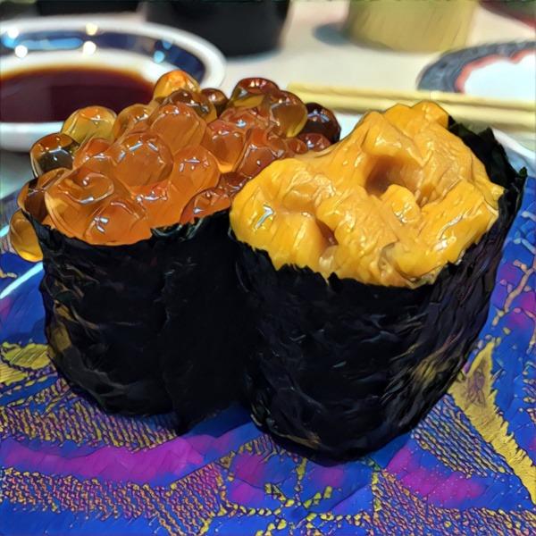 Rodzaje sushi: gunkanmaki zikrą łososia (ikura) ijeżowca (uni)