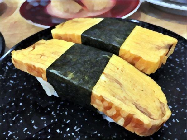 Rodzaje sushi: nigiri (nigirizushi) zomletem japońskim (tamagoyaki)