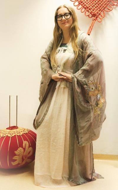 Tradycyjna suknia chińska hanfu wstylu dynastii Jin