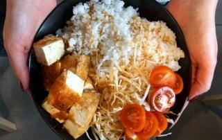 Kuchnia wegańska w Warszawie: tofu w Peko Peko