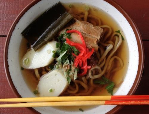 Japońskie makarony: ramen, soba, udon, somen, hiyamugi, okinawa soba iinne