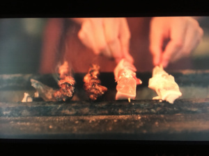 Yakitori - japońskie szaszłyki zkurczaka, kadr zserialu