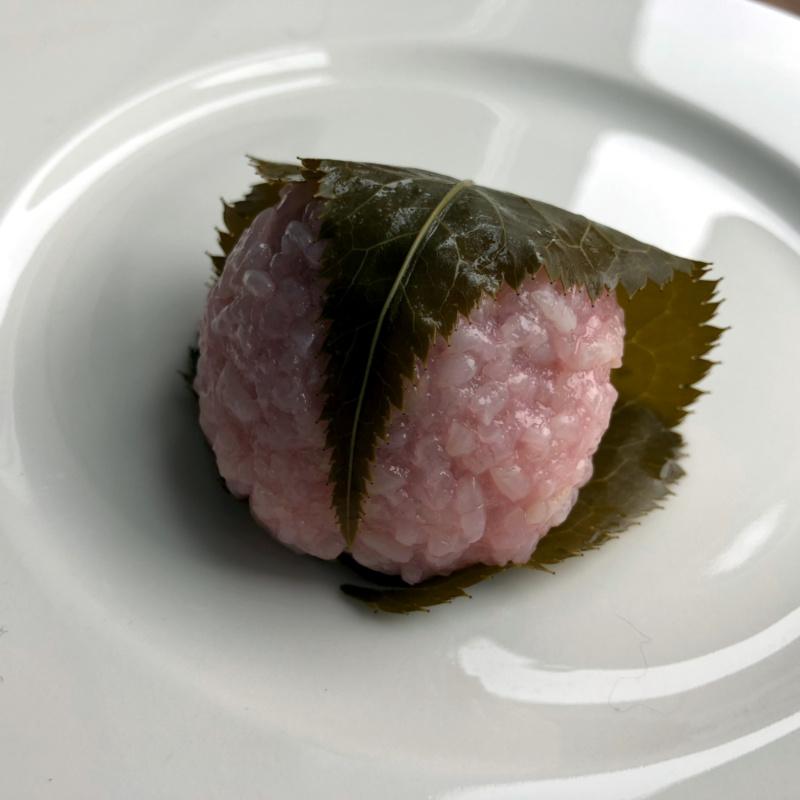 Sakurowe słodycze: doumyōji - sakuramochi wstylu Kansai