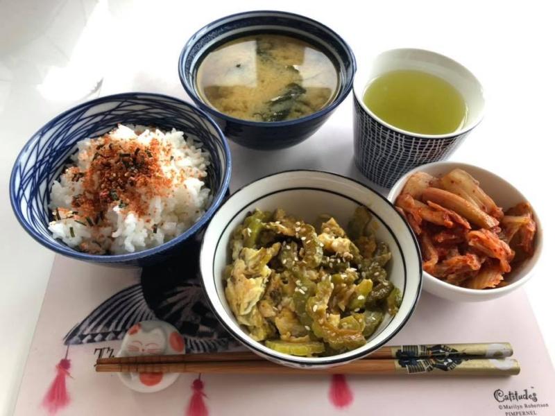 Kuchnia japońska: goya chanpuru + miso shiru + tarako