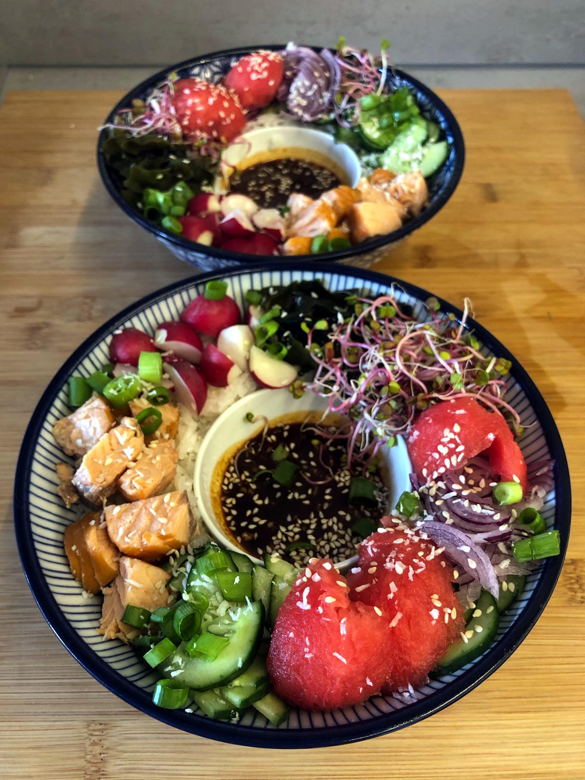 Hawajski poke bowl z arbuzem