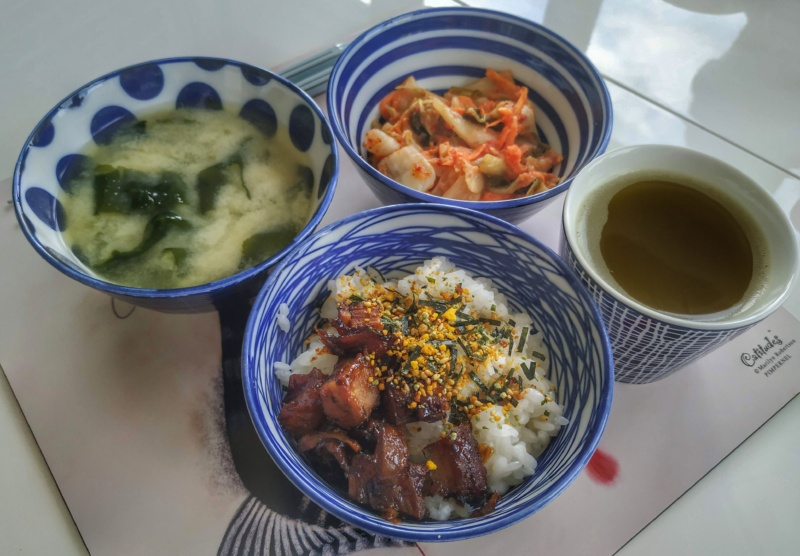 Kuchnia japońska: żeberka teriyaki + miso shiru (zupa miso)