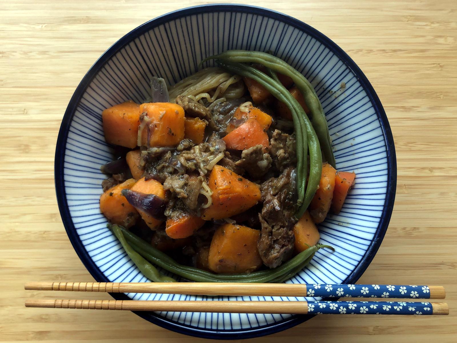 apońska kuchnia wegańska: wegańska nikujaga (biigan nikujaga)